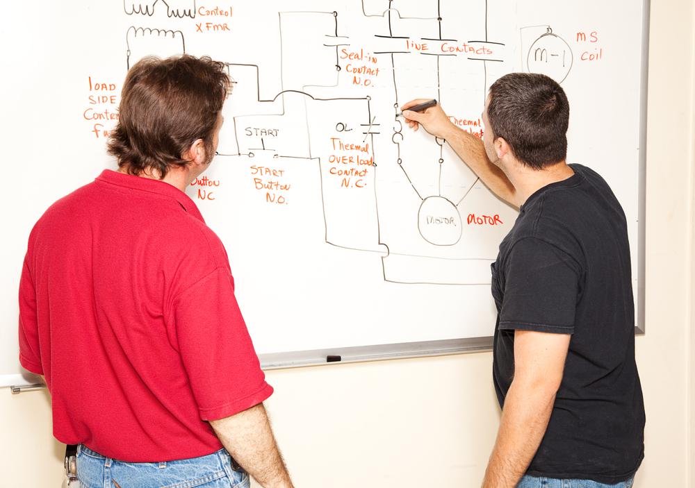 electrician drawing circuit